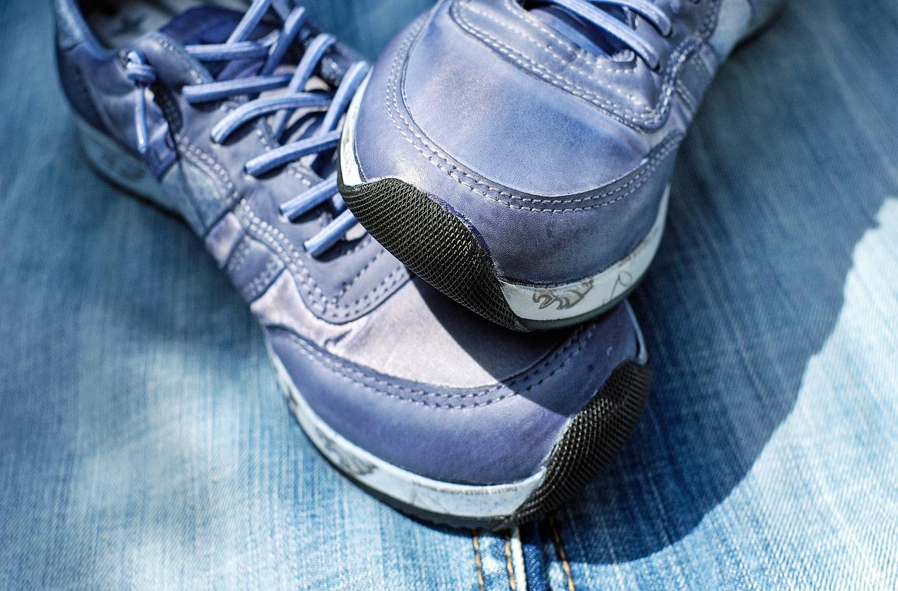 Evde Spor Ayakkabı Yenileme Yolları
