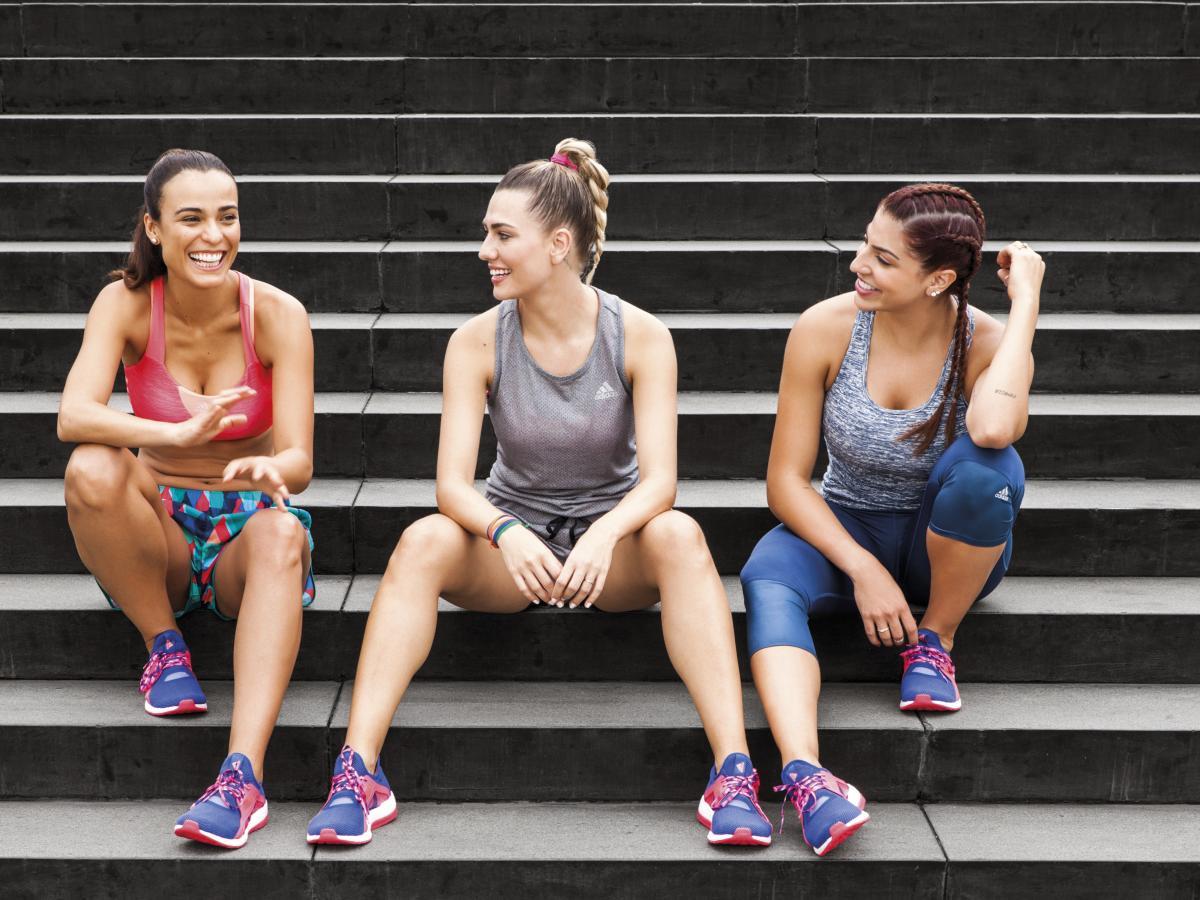 Kadınlar İçin Spor Kıyafetleri