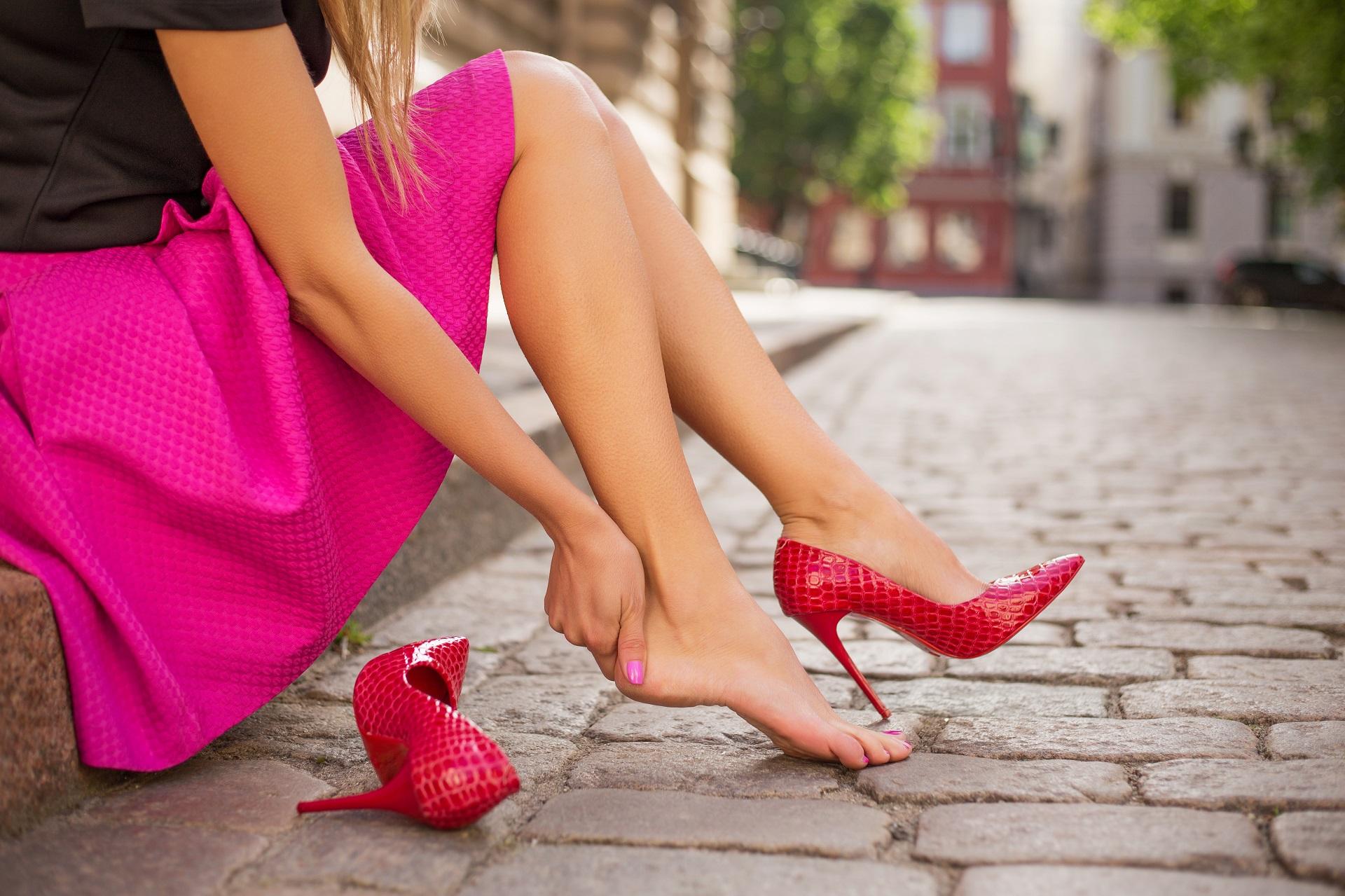 Topuklu Ayakkabı Out Spor Ayakkabı In