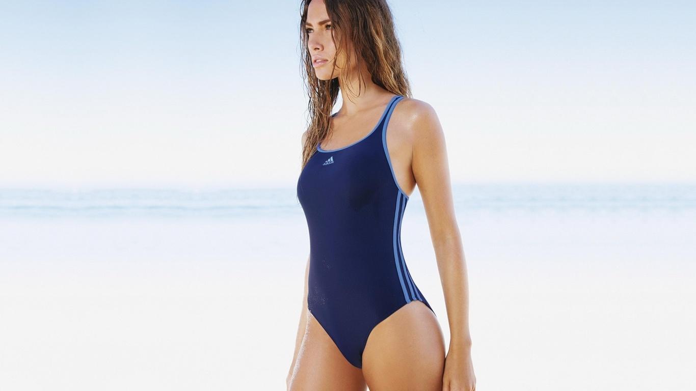 Spor Bikiniler Mayolar Hakkında Merak Edilen Her Şey