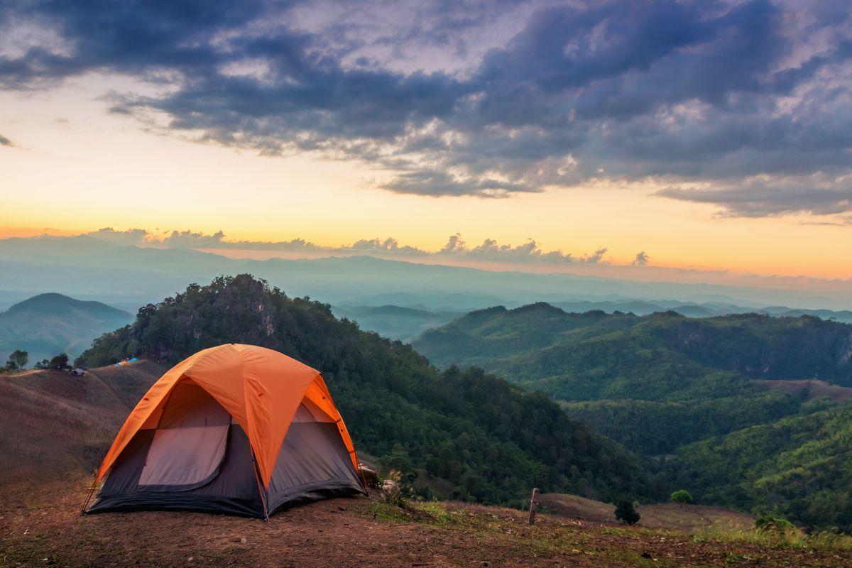 Kamp Yaparken Tuvalet Ve Banyo İhtiyacı Nasıl Karşılanı