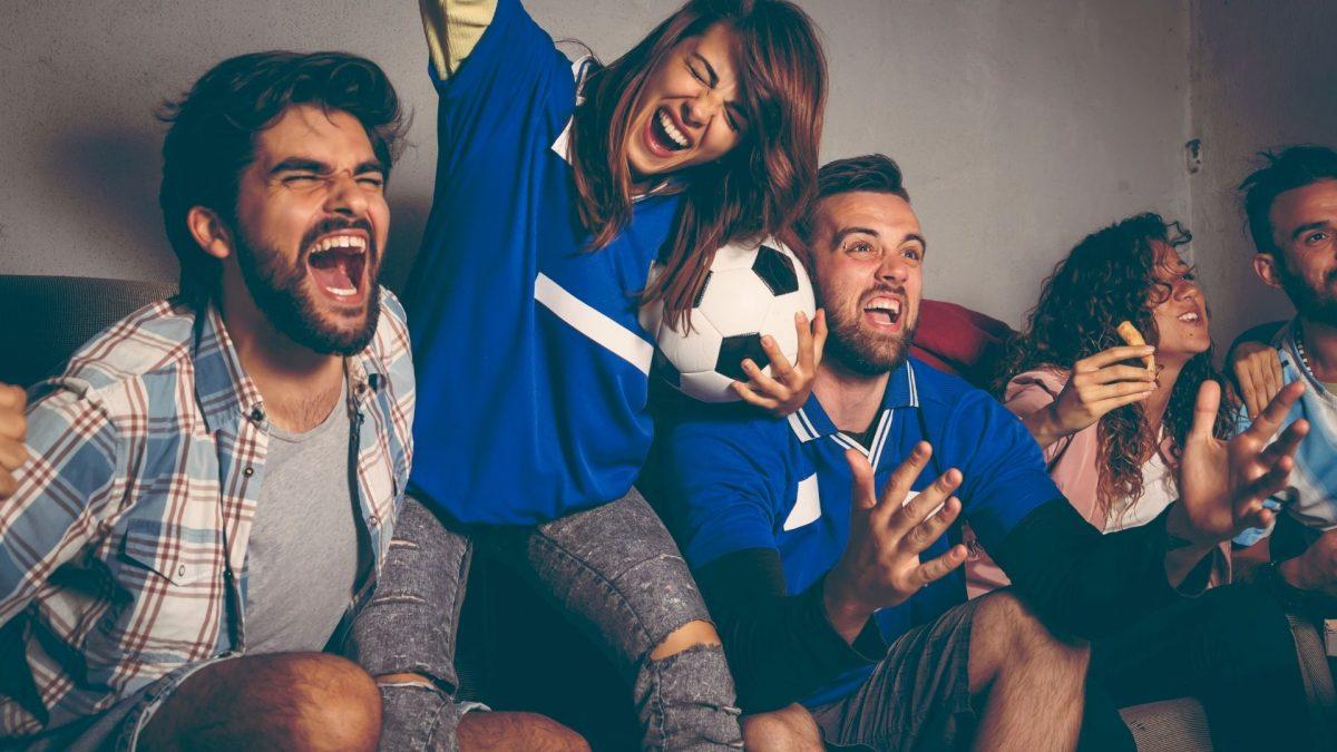 Futbolu Nerede İzlemekten Hoşlanıyorsun